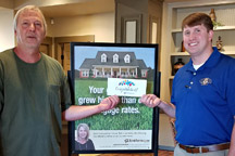Stephen Key Presents Billy Groom with Gift Card from BankTennessee